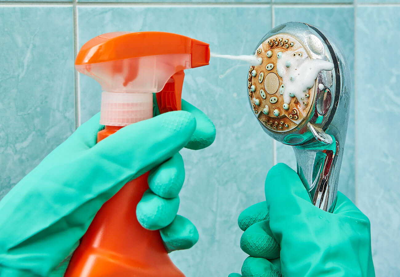 geezers_plumbing-removing_lime_scale